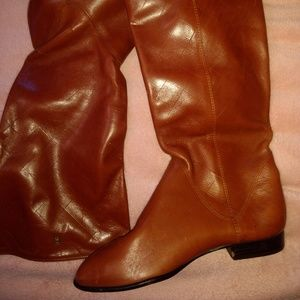 Etienne Aigner leather boots like new